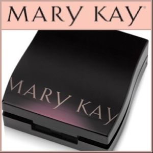 NWOT Mary Kay Compact Mini (Unfilled)